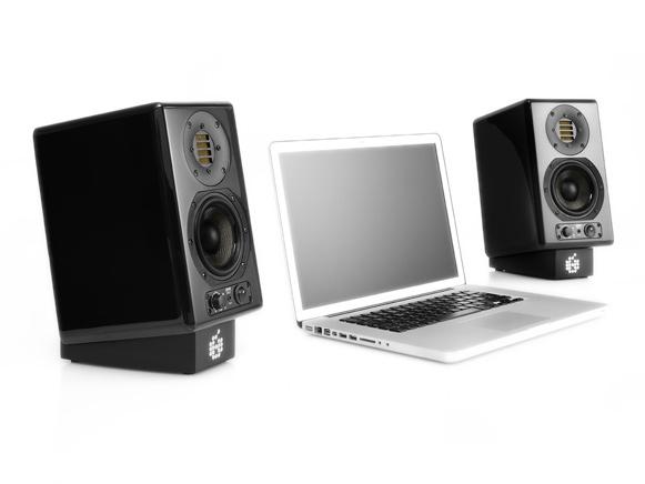 Adam-Audio-ARTist-5-Schwarz-Laptop